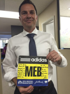 Meb gifted his winning Boston bib to Dr Young. How cool is that?!